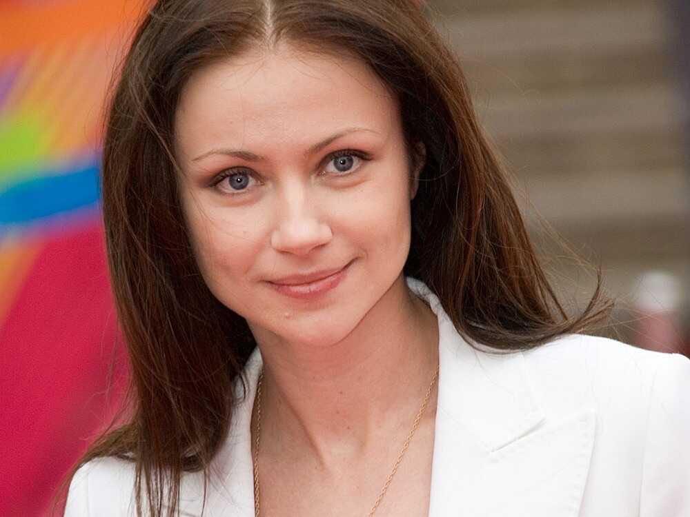 «Были опасности из-за возраста»: Мария Миронова призналась, что ей тяжело далась беременность в 45 лет