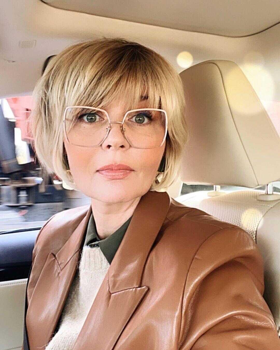 «Не видела этой любви»: Юлия Меньшова призналась, что испытывала серьезные сложности в общении со знаменитым отцом