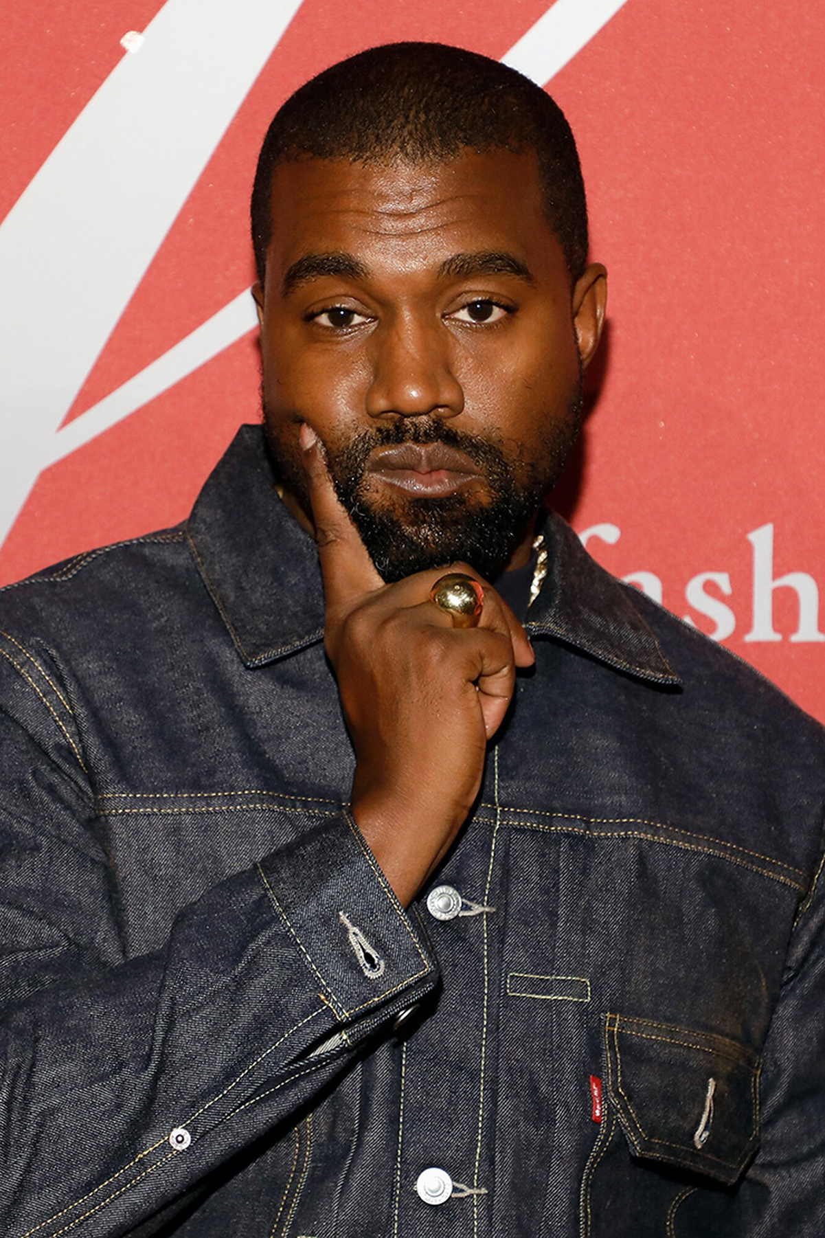 Kanye West unfollowed Kim Kardashian
