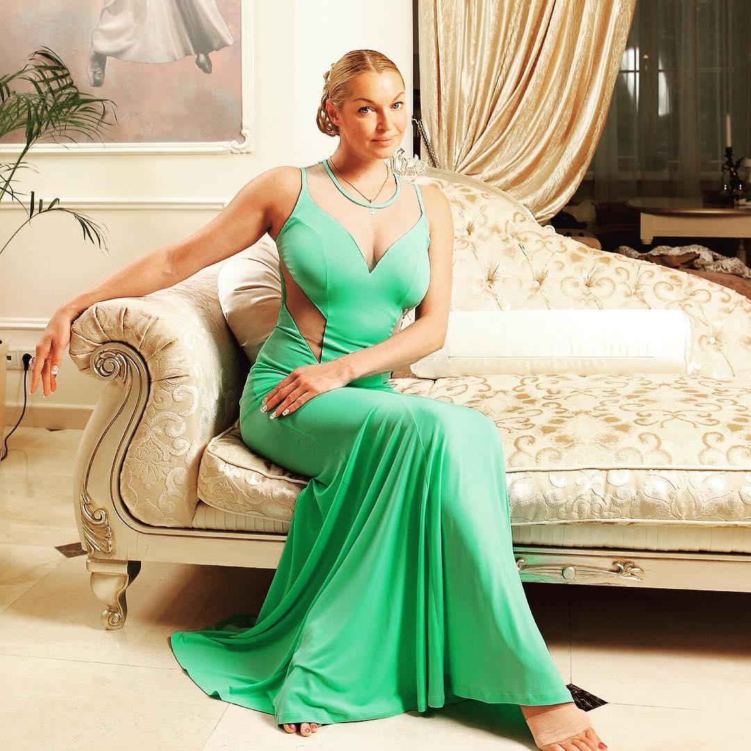 Anastasia Volochkova's ass is considered a national treasure