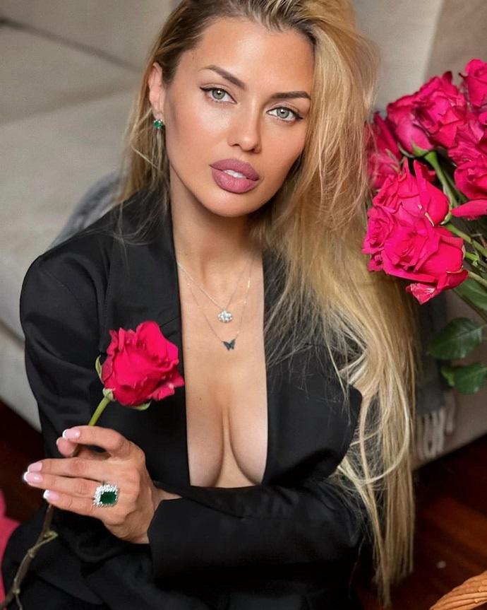 Виктория Боня запустила бизнес со слоганом: «Сексуальные. Идеальные. Твои!»