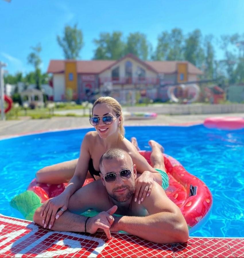 Алексей Адеев все еще надеется, что избитая Анна Брянская простит его