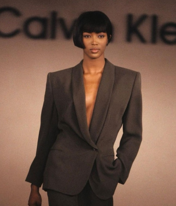 51-year-old Naomi Campbell starred topless for a popular brand