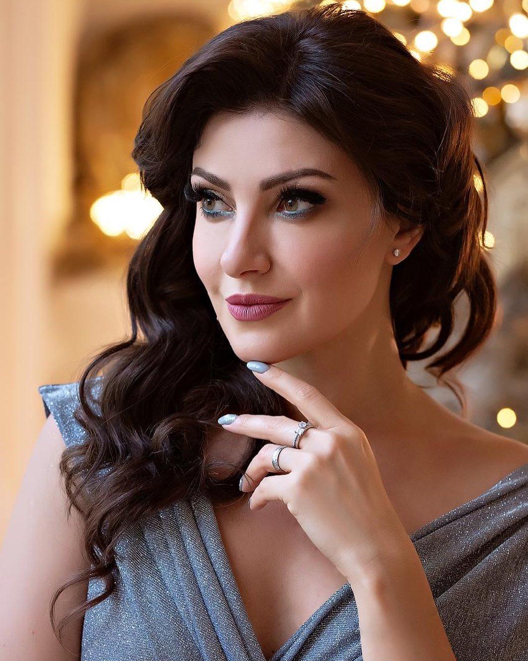 Anastasia Makeeva wants money from Andrey Malakhov