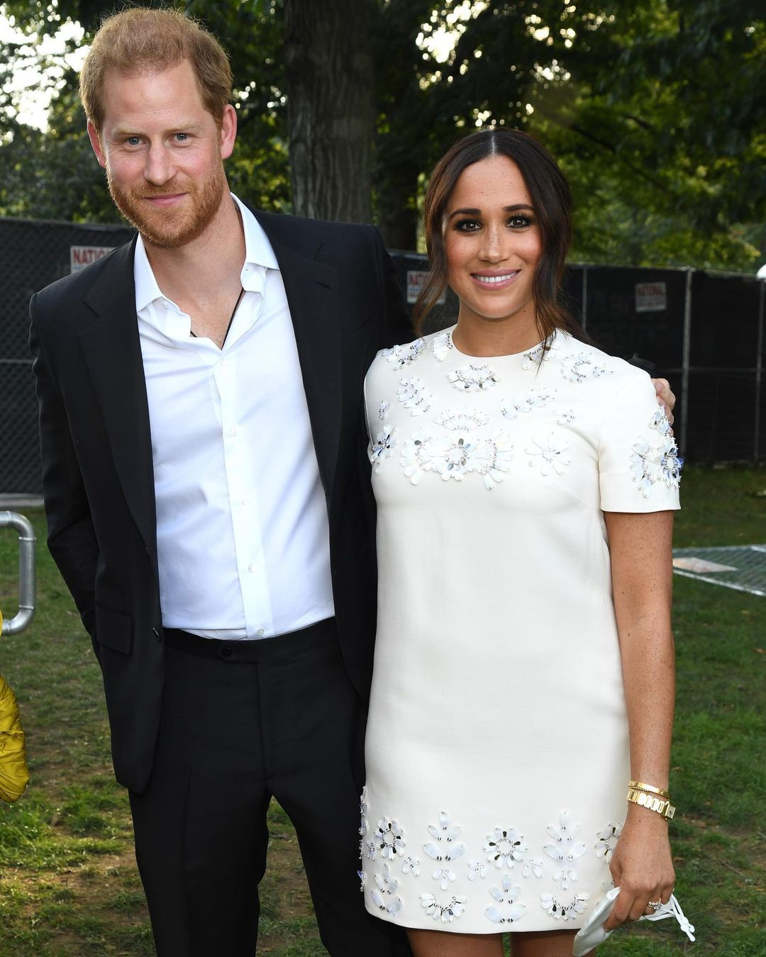 The latest photos of Meghan Markle and Prince Harry provoked rumors about the third pregnancy of the Duchess
