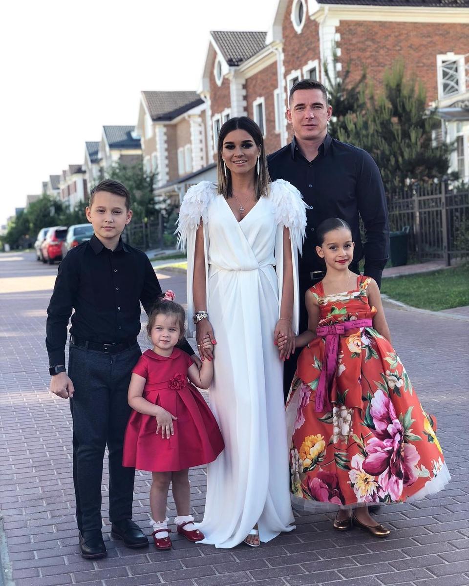 Ксения Бородина рассказала дочке Теоне, к кому переехал жить папа Курбан