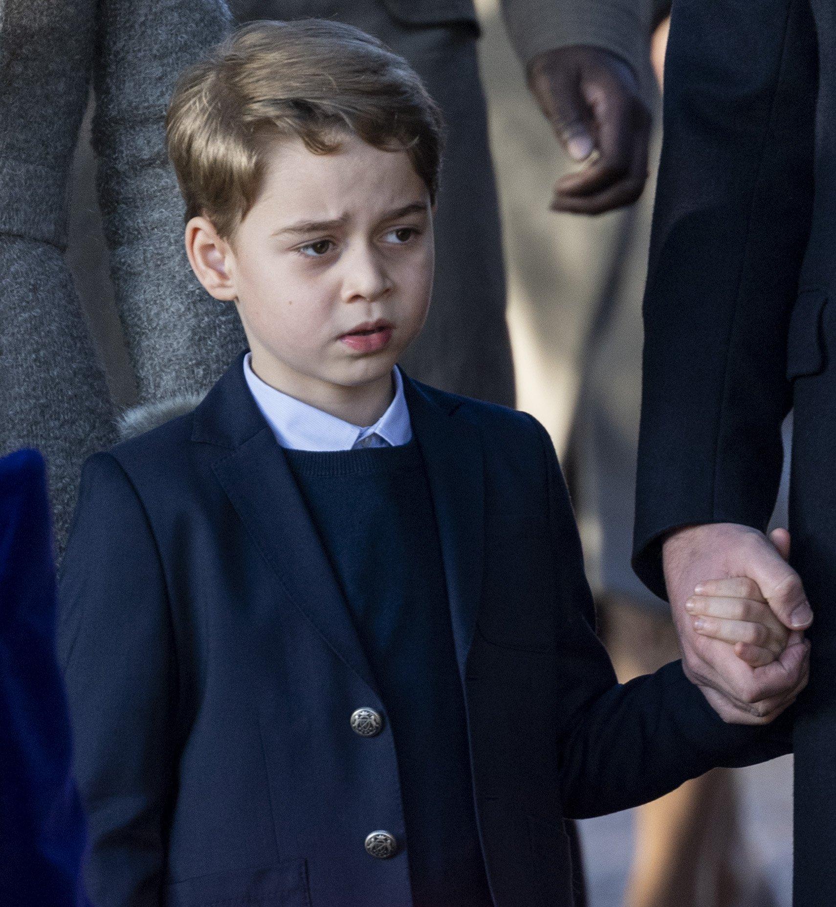Елизавета II приступила к подготовке сына принца Уильяма к роли будущего короля