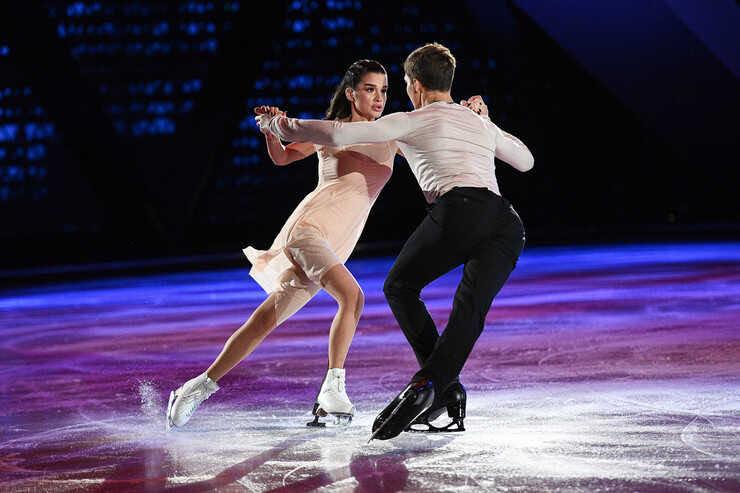 «Мне очень повезло с Олей»: фигурист Дмитрий Соловьев сравнил работу с Ксенией Бородиной и Ольгой Бузовой на ледовом шоу