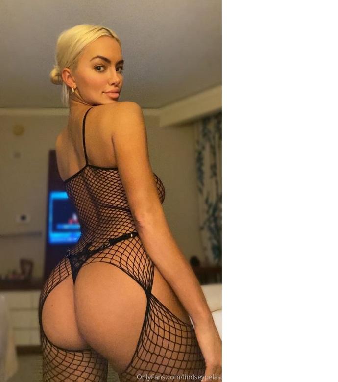 «Фантастические большие сиськи и сексуальная задница в горячих обнаженных фото Линди Пелас»: под таким заголовком в сети появились новые фотографии звезды Playboy и инстаграм